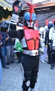 Hi, Kamen Rider! Ke sini naik apa? Mana belalang tempurnya?